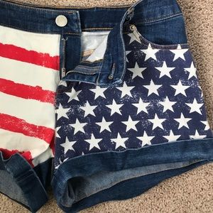 LIKE-NEW Marilyn Monroe American Flag Jean Shorts